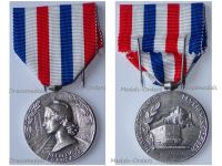 France Railroad Silver Merit Medal for 25 Years Service 3rd Type Attributed to Female 1970 by Paris Mint