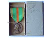 France WWI WWII Escapees Prisoners of War Medal Boxed