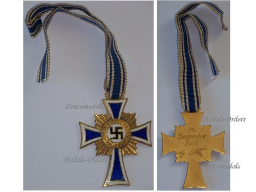 NAZI Germany WWII Mothers Cross 1938 Gold Class 2nd Type 1939